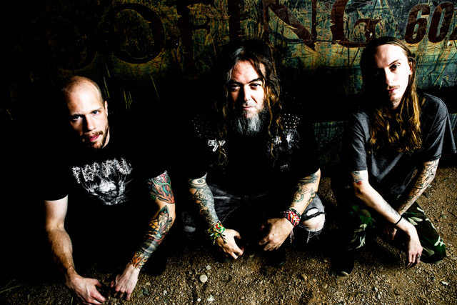 GO AHEAD AND DIE - Firmano per Nuclear Blast Records